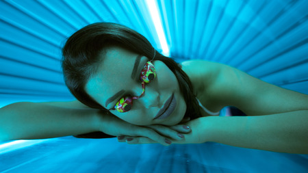 TANNING ADDICTION ASSOCIATED WITH ADDICTIVE BEHAVIOR